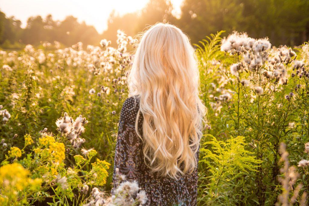 Demoiselle Blonde extensions cheveux fins