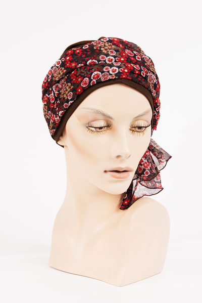 Turban à motifs disponible au Salon Delobel - Paris