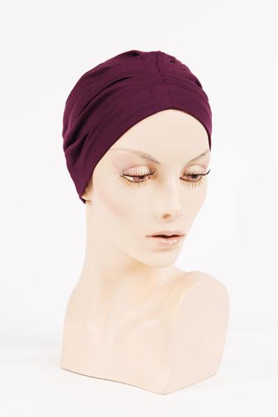 Bonnet Prune - disponible à l'Atelier des Arts Capillaires